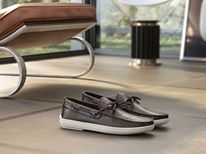 FOR HIM - Nautical inspiration for the iconic Tod's Marlyn Hyannisport, a loafer in fine calfskin with laces and a contrasting rubber sole.